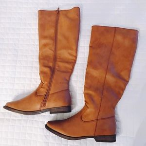 New! Tan Rider Boots. Size 8.